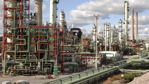 Neste businesses and R&D systematically cooperate in developing the usability and production of our refineries.